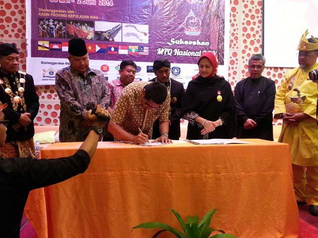 Penandatanganan MoU Kerjasama TDA Batam dengan KADIN Kepulauan Riau